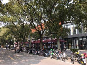 閔行キャンパス内にある学食以外のカフェとファーストフード店